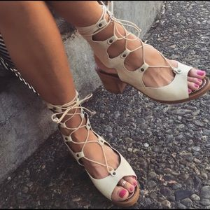 Matisse Expo Gladiator Lace Up Sandal in Natural